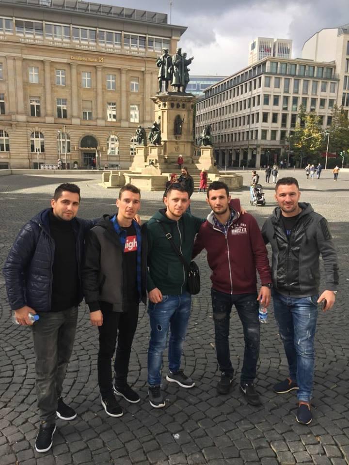 Landi Bega, Eri Bardhi dhe Mulis Ranci te punesuar ne Gjermani.