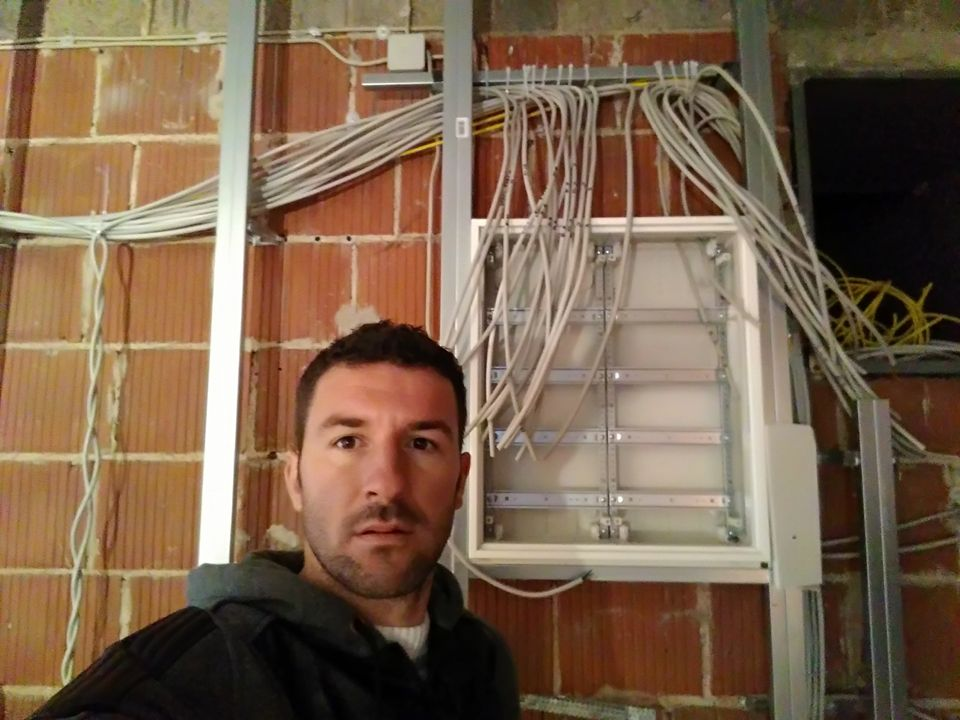 Eri Bardhi (elektricist) i punesuar ne Fulda Gjermani