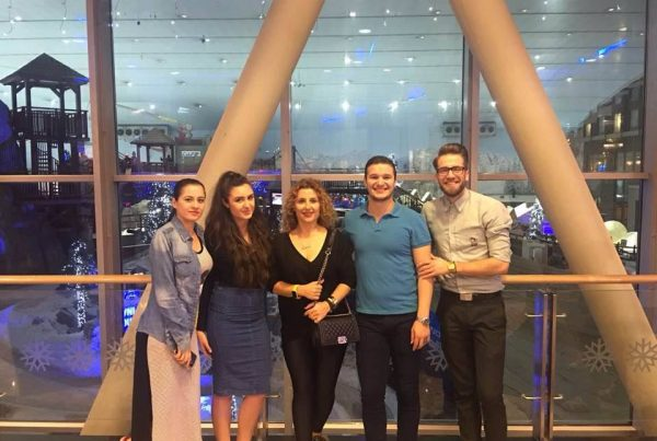 Gazmendin, Ira, Albi te punesuar ne Dubai